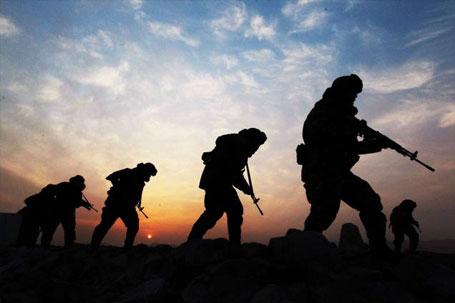 خطط طارئة للتدخل العسكري في سوريا ووحدات خاصة في دول مجاورة وامريكا تقود المؤامرة