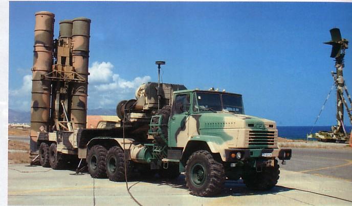 دمشق تمتلك صواريخ إس '200′ منذ اندلاع الأزمة وخبراؤها العسكريون يستعدون لإدارة الـ 'إس 300' التي وصلت للجيش السوري