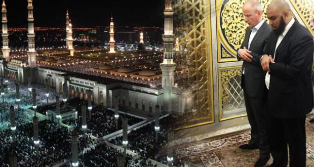 """منتج فيلم """"فتنة"""" المسيء للإسلام يبكي على قبر الرسول"""