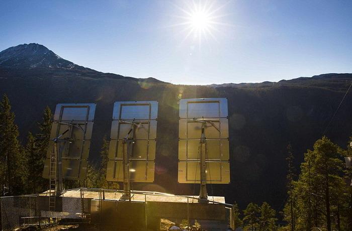 Norwegian village see the sun