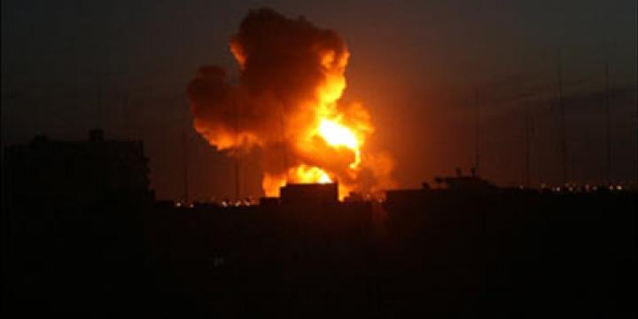 gaza-bombing-night
