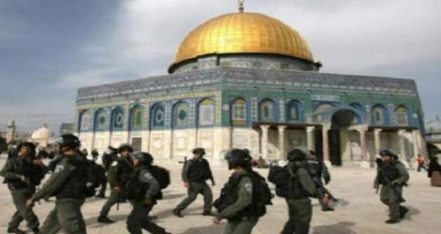 متطرفون يقتحمون المسجد الأقصى