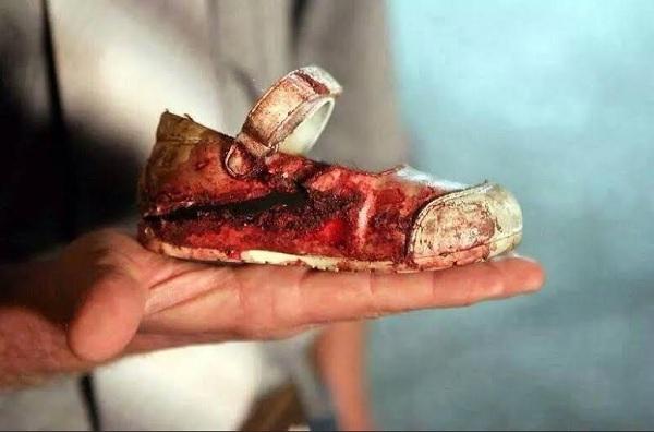 gaza-child-shoe