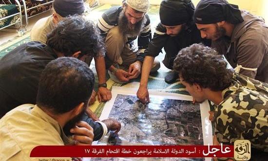 """نظام آل سعود يخطط للدفع بمجموعات ارهابية الى المناطق السورية التي ينسحب منها """"داعش"""" تحت القصف"""