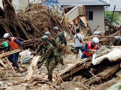 عمليات البحث مستمرة عن مفقودين بعد انزلاق التربة في هيروشيما