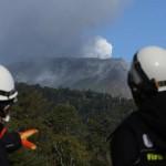 اليابان: توقف عمليات البحث عن العالقين في جبل أونتاكيه