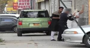 """بالفيديو.. كاميرا خفية تكشف """"عنصرية """" الشرطة الأمريكية"""