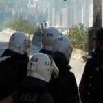 """الشرطة التركية تعتدي على متظاهرين باسطنبول نددوا باعتداءات """"داعش"""""""