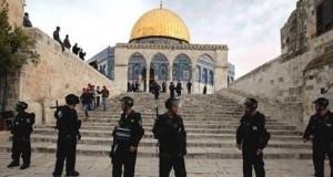 #الاحتلال_الإسرائيلي يعتقل أحد حراس #المسجد_الأقصى المبارك