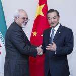 اتصال هاتفي بين وزيري الخارجية الصيني والايراني
