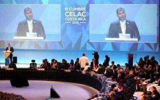 كاسترو: تطبيع العلاقات مع الولايات المتحدة غير ممكن في ظل استمرار حصارها على كوبا
