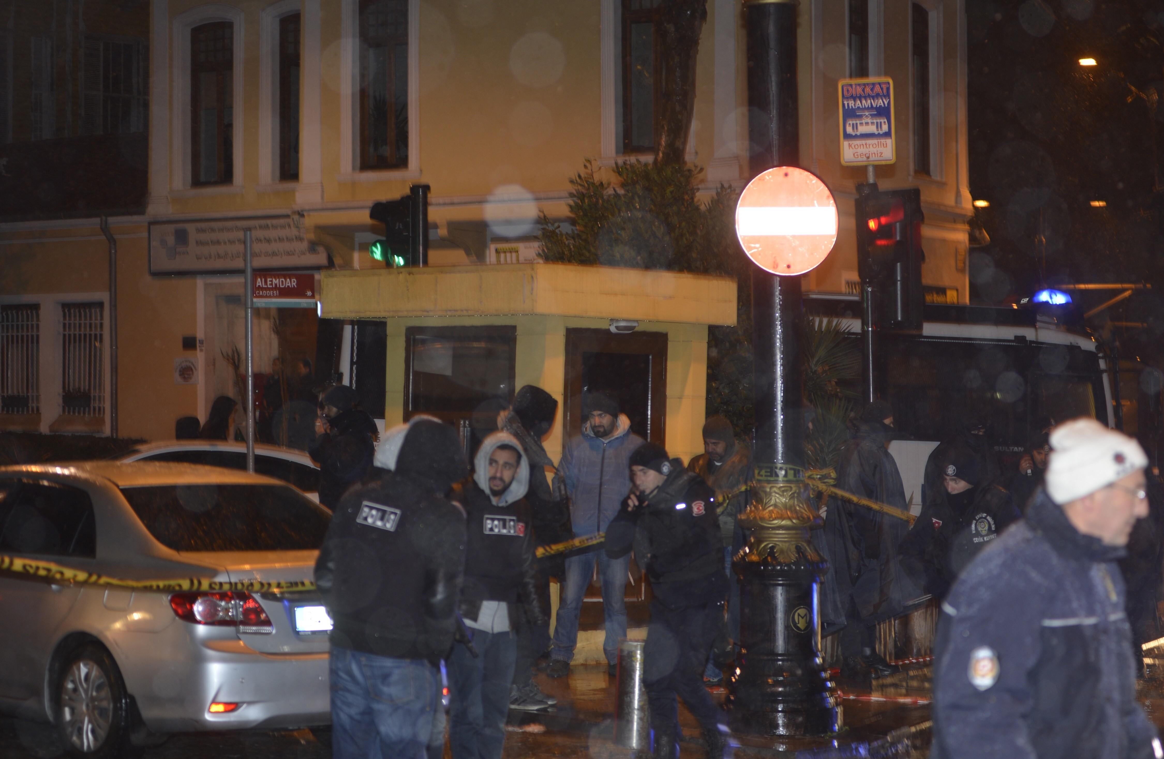تركيا.. إصابة شخصين بهجوم استهدف مركزاً أمنياً في إسطنبول