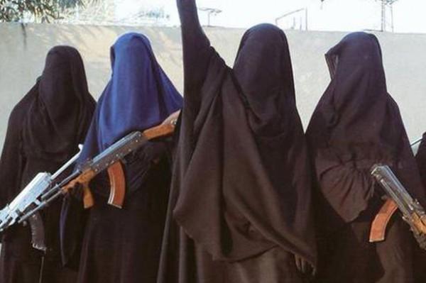 """""""رومانسية داعشية"""".. لإغراء النساء بالزواج من مقاتلي التنظيم .. صور"""