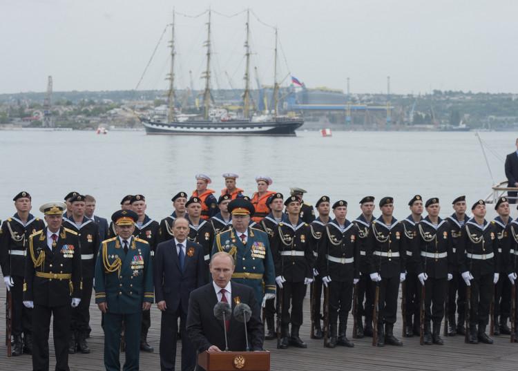 بوتين في سيفاستوبل في 9 مايو/أيار عام 2014