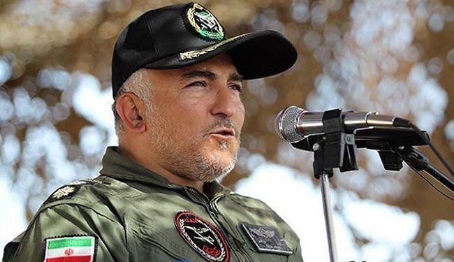 قائد وحدة الطائرات من دون طيار التابعة للقوة البرية للجيش الايراني العقيد رضا خاكي