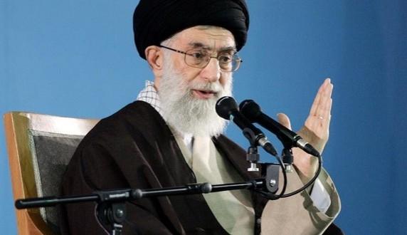 الامام الخامنئي: مواقف ايران في الشأن النووي لم تتغير