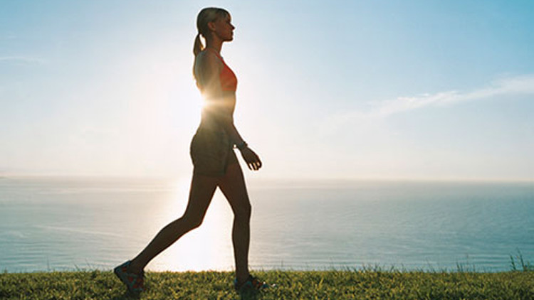 استقامة الجسم اثناء المشي شيء مهم