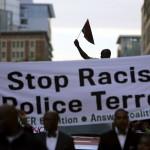السلطات الأمريكية تدعو إلى ضبط النفس بعد جرح رجلين أسودين على يد الشرطة في أوليمبيا