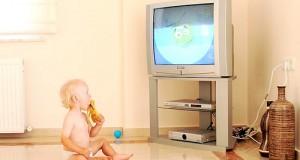 كيف ننظم علاقة الطفل بالأجهزة التكنولوجية؟