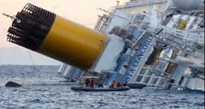 مصر.. القوات البحرية تنقذ طاقم سفينة شحن غرقت في البحر الأحمر