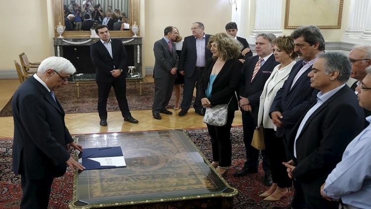 رئيس الوزراء اليوناني ألكسيس تسيبراس خلال مراسم أداء القسم للأعضاء الجدد في الحكومة في أثينا