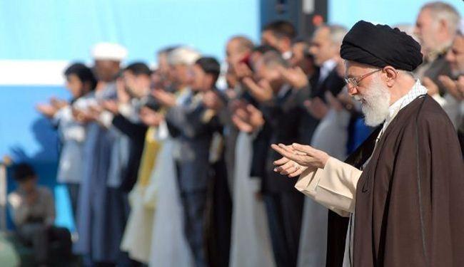 قائد الثورة الإسلامية يؤم صلاة عيد الفطر بطهران