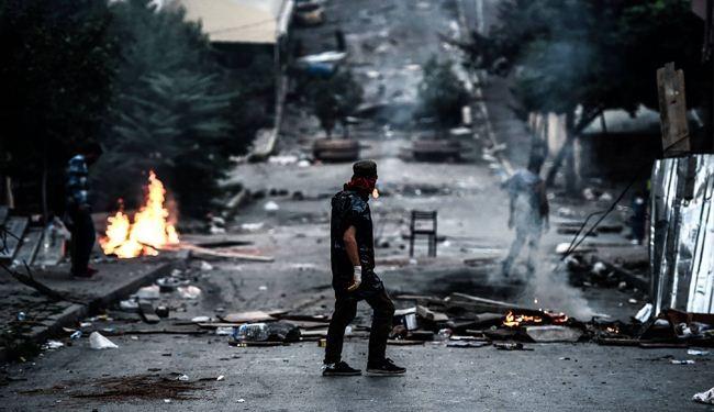 مقتل قائد شرطة تركي، والناتو يجتمع بطلب من أنقرة لبحث الوضع