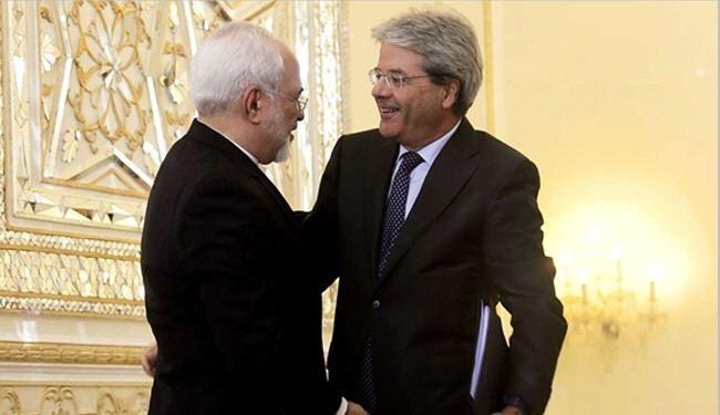 ظريف يستقبل نظيره الايطالي في طهران