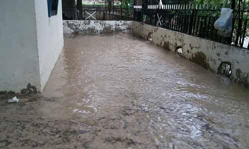 مياه الامطار تسللت الى البيوت في عكار وارتياح لهطولها في البقاع الغربي