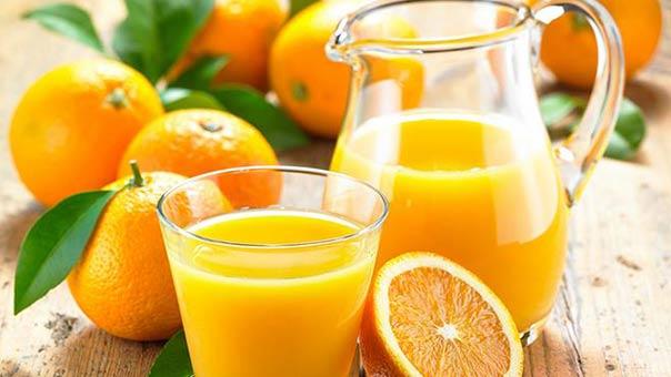 عصير البرتقال أكثر فائدة من البرتقالة نفسها