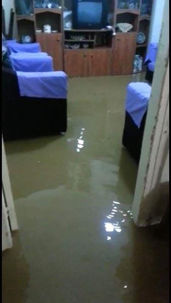 أضرار كبيرة سببتها الأمطار الغزيرة في طرابلس.. انقطاع للانترنت والمياه دخلت المنازل