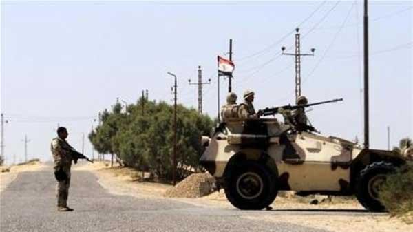 استشهاد 10 عسكريين مصريين بهجوم وسط سيناء