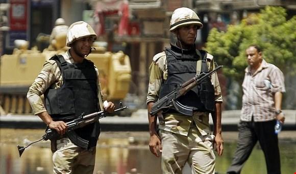 مصر: استشهاد أربعة عسكريين في إطلاق نار وداعش يتبنى