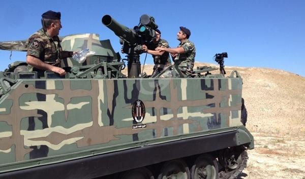 الجيش اللبناني يستهدف تحركات المسلحين في جرود عرسال ورأس بعلبك