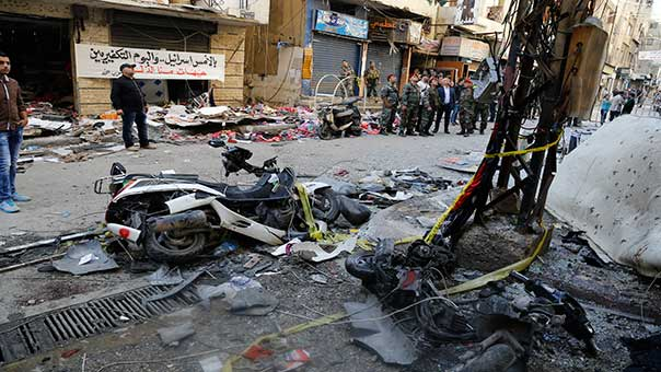 قوى أمنية في مكان الانفجارين