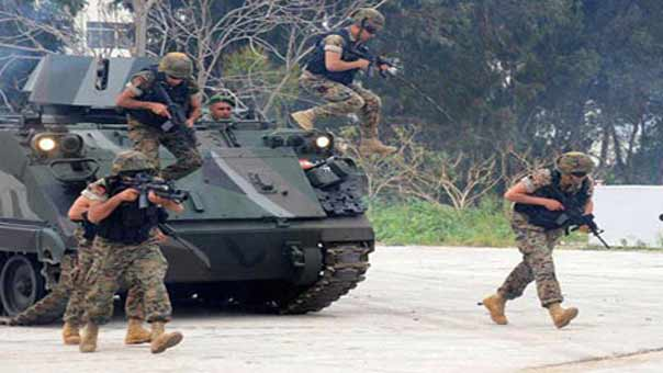 الجيش: دهم مخزن للسلاح والذخيرة في مشتى حسن