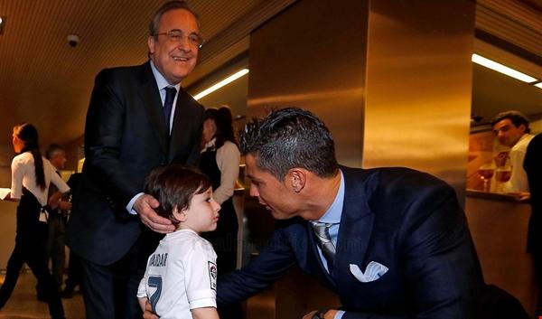 """الطفل اللبناني حيدر يلتقي رونالدو في """"سانتياغو برنابيو"""""""