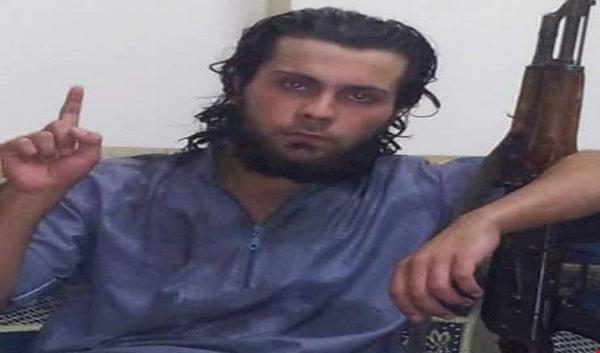 عنصر من داعش يعدم والدته في الرقة أمام الملأ