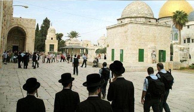 اقتحام المستوطنين للمسجد الاقصى