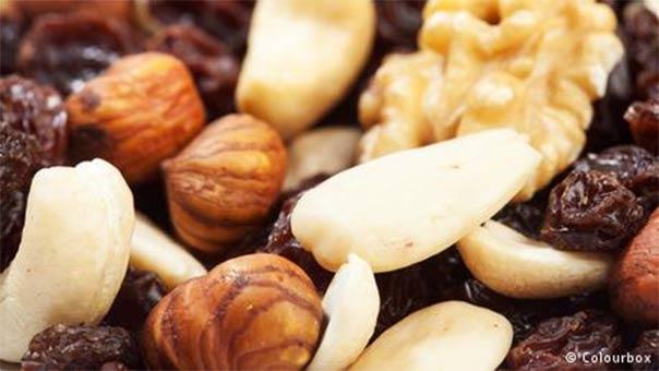 المكسرات غذاء للعضلات