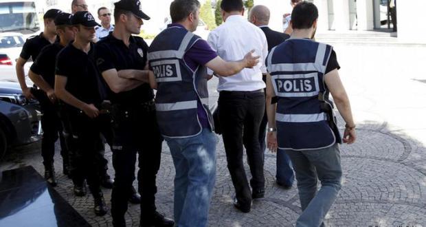 مقتل 4 ضباط شرطة وإصابة 35 شخصاً بتفجير في جنوب شرق تركيا