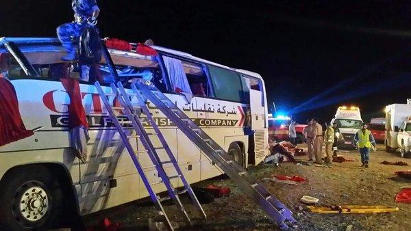 مصرع وإصابة العشرات في حادث سير بعُمان