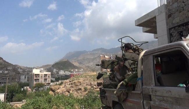 الجيش واللجان الشعبية يسيطران على مواقع استراتيجية في تعز