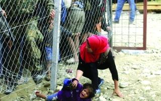 كوشنير لـ«البيان»: أزمة المهاجرين تثبت هشاشة أوروبا