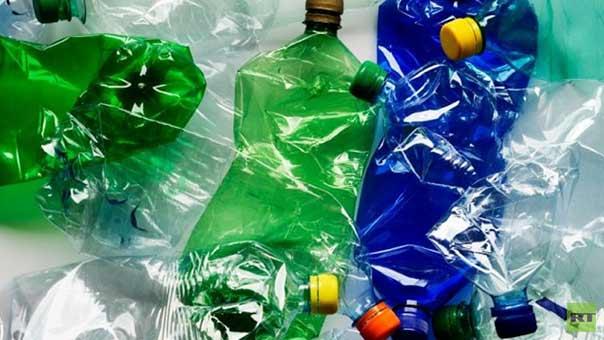 بكتيريا آكلة البلاستيك