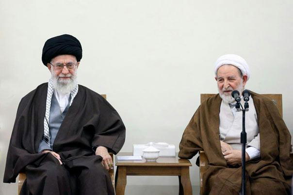 الإمام الخامنئي يستقبل مجلس خبراء القيادة