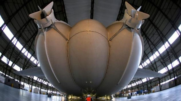 أطول طائرة في العالم تستعد لأول رحلة لها