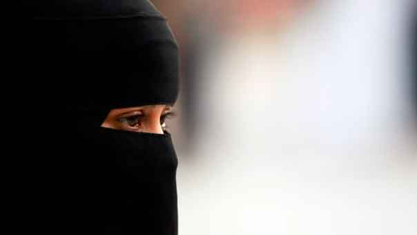 لائحة بوظائف ممنوعة على المرأة السعودية