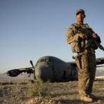 """مصادر: 4 طائرات أمريكية أوصلت جنوداً وعتاداً إلى قاعدة """"العند"""" جنوب اليمن"""