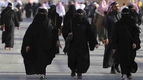 لاجئات سعوديات الى الكويت بحثًا عن وظائف